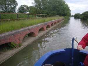 Brick arches at Stoke Bruerne