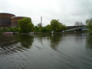 Back on the Thames - leaving the Thames and Kennet Marina