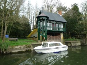 What a smart boathouse