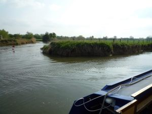 Wicked turn and associated sandbank below Buscot Lock