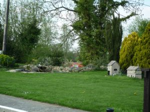Charming and unusual garden at St John's lock, Lechlade