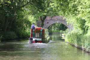 Could be a picture from a holiday brochure - the richly wooded Stratford Canal