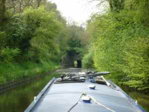 Approaching Shrewley Tunnel