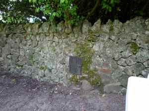 19th century 'hole in the wall'???