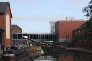 Attractive modern waterfront in Banbury