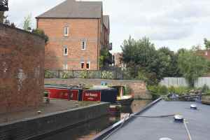 Neat moorings just outside Kidderminster