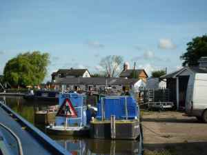 Canal life at Norbury Junction