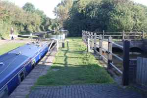 That's the old side pound to the right - sadly only one lock now has a working side-paddle