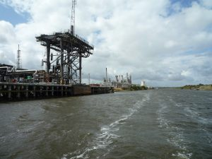 Oil loading gantry with its giant counterwieghts..