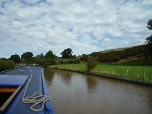 Waiting above Beeston Iron Lock..