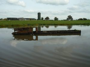 Sunken boat in Billinge Green Flash - apparently the flashes were once full of wrecks sunk by BW in the 1950s; many have now been recovered.