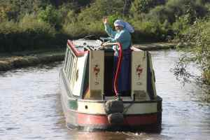 Elaine from Fulbourne (sorry, didn't catch this boat's name) - one of many meetings this year, may there be many more...