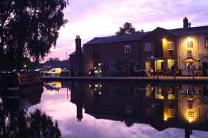 The Swan at Fradley - the most photographed pub on the canal apparently. Looks good at sunset...