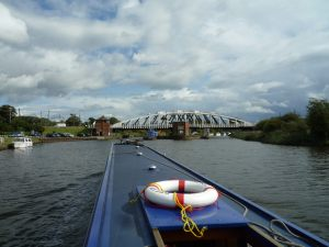 Acton swingbridge - good moorings on the left