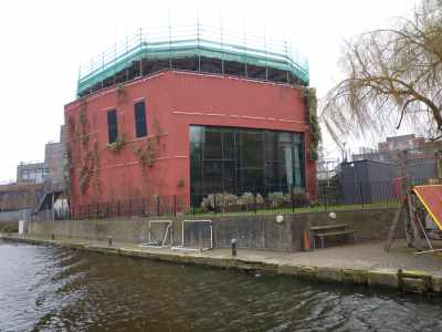 There are some striking developments along the canal - many of these were still in construction when we last passed this way - ooh, back in 2011!