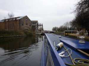 Approaching Old Ford Lock...