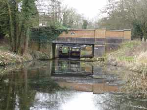 Deepcut Bottom Lock - this is the convoy's real achievement - this lock flight has been closed since 2009!