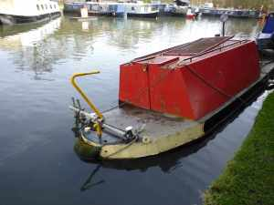Sunken boat at Winkwell lock - I wonder if it's been a record winter for sinkings?