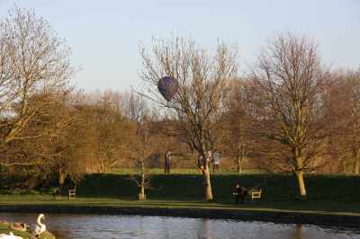Marsworth views...by my reckoning that balloon is going to land in a reservoir - hope the pilot can see dry land :-)