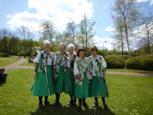 Members of the  Morris 'men' - I loved their raggy jackets (the mend had fine raggy cloaks)..