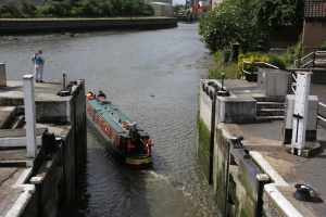 nb Doris Katia showing the correct angle for exiting Bow Locks near low tide...