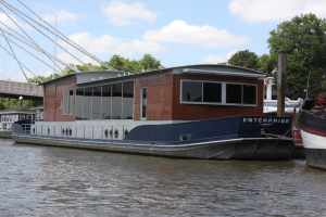 Now this rather lovely barge is an office - wouldn't mind working there :-)
