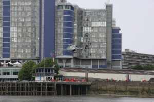 Just as I was thinking that it would be nice for the tideway newbies to see a helicopter landing, one turned up :-)