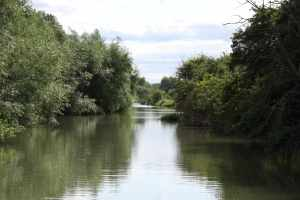 "We spoke to one boater  who said they found the Thames ""boring"" and couldn't wait to get off onto the Oxford Canal - but just see what they're missing upstream..."