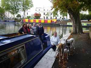 A last group photo - we do so enjoy cruising with hounds - hope we can do it again sometime (hopefully in Stoke Bruerne)...