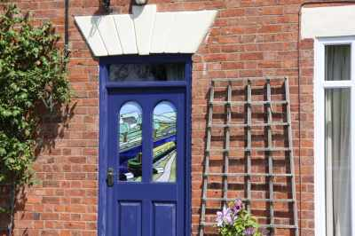 I like this front door - wonder if we could get one too?