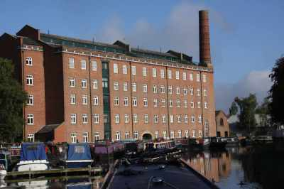 There are manay canalside Mills here - can you imagine the bustle on this canal in their heyday...?