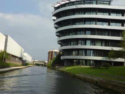 A more modern canalscape