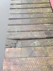 And this is the slat that cracked under my foot - definitely overdue for replacement...