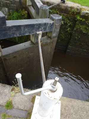 Interesting mechanism for opening the lock gate...