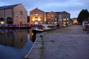 The wharf at Sowerby Bridge is very atmospherice by night....