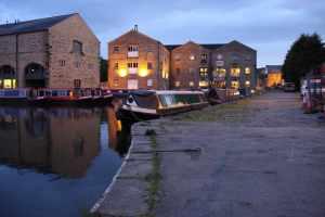 The wharf at Sowerby Bridge is very atmospherice by night....