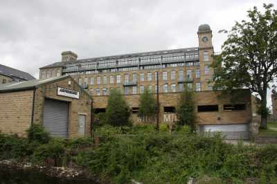Valley Mill - it looks so Victorian but I can't find much about its history - it's now been converted into up-market appartments...