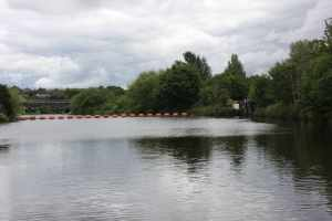 A weir and a sharp turn - this navigation has it all...