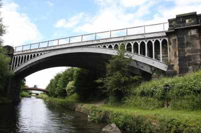 There are some interesting bridges - a gret contrast between the functional pipe bridge and the ornate ironwork of the railway bridge...