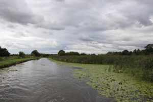 We're about 12 miles away from Liverpool here adn the canal suddenlly becomes rural...
