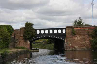 Boundary Bridge - built in 1861 and now a Grade 2 listed structure.