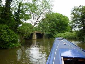 The end of the navigation (for us) - plenty of room to turn at the railway bridge...
