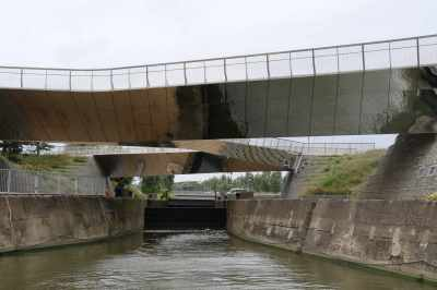 Great view of the reflective bridge - there are gret boat photos to be had when you turn under it on the other side of the lock...