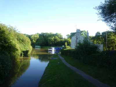 Here's she comes - Indigo Dream enters the Oxford Canal :-)
